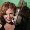 Suzie Vinnick, blues guitar