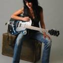 Romi Mayes, blues singer_songwriter