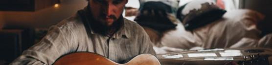 Mike Tod, folk guitar